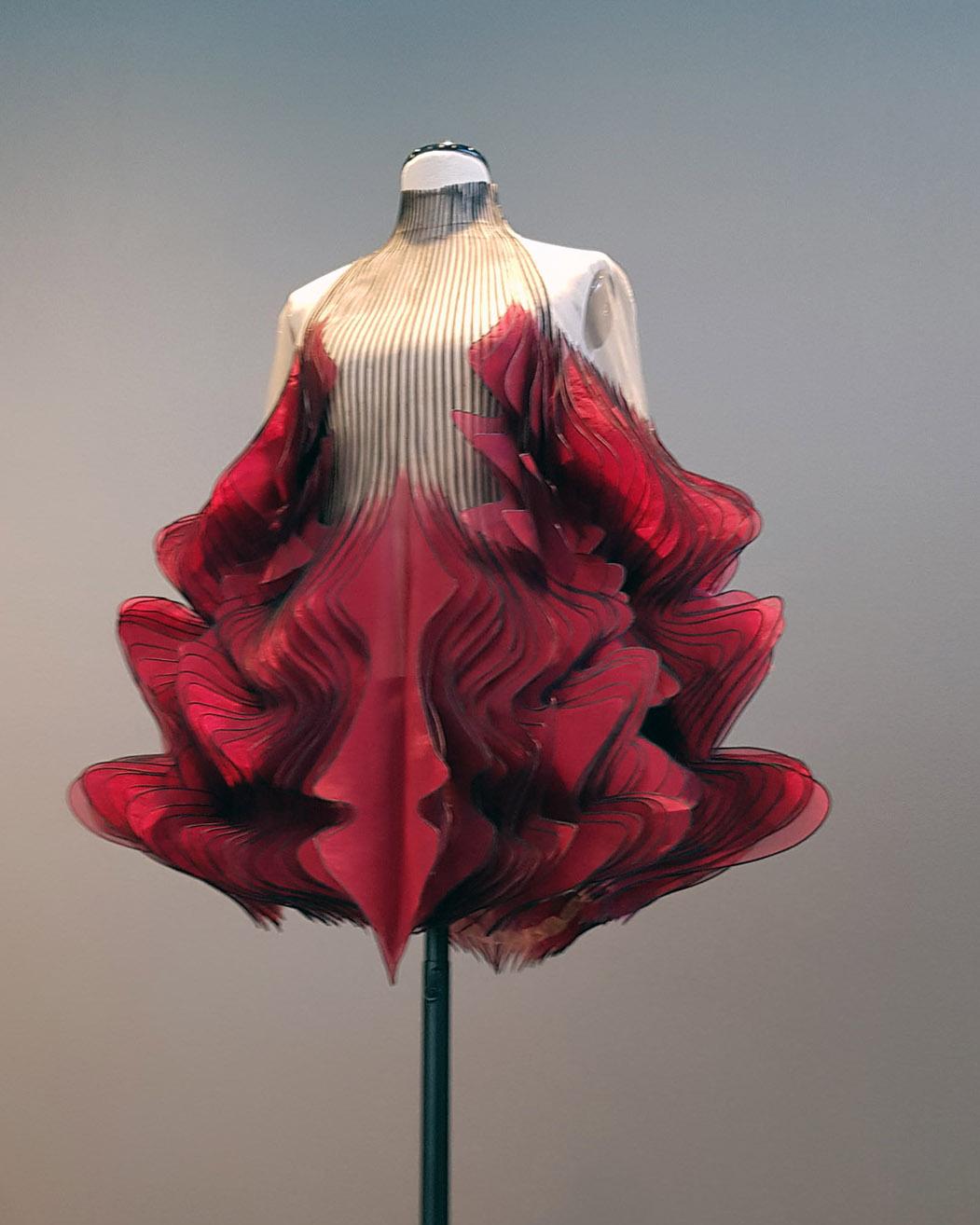 "Wystawa Iris van Herpen ""Alchemic couture"", Stary Browar, Poznań"
